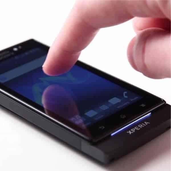 چرا صفحه لمسی گوشی سونی درست کار نمی کند؟
